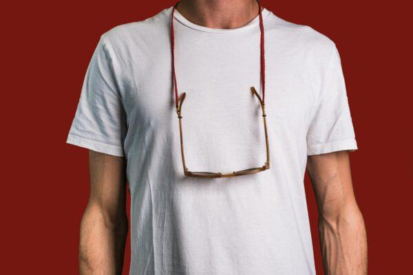 Attached Brillenband Hoi An getragen