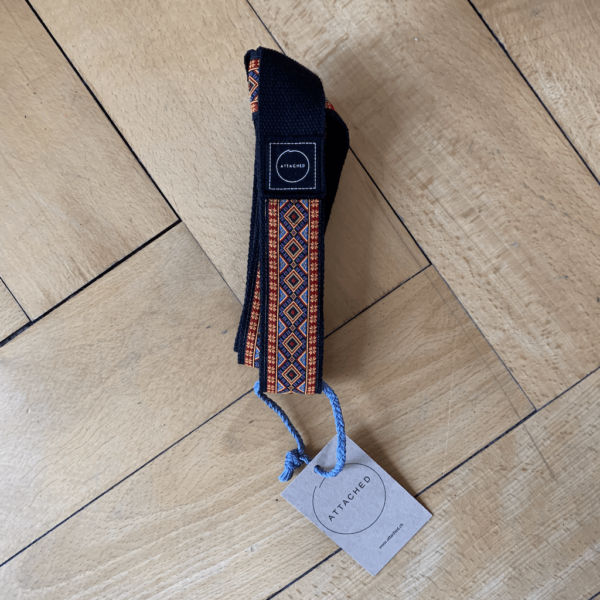 Marjariasana Attached Yoga Strap / Yoga Mattenhalter & Dehnungs Band