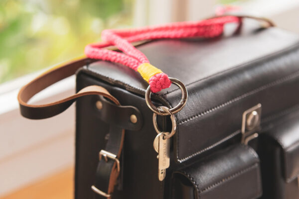 Langer Keychain von Attached