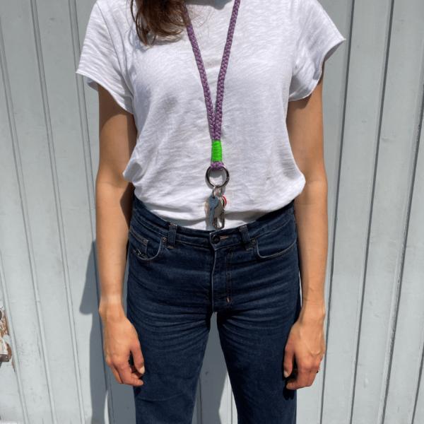 Attached Keychain lang getragen